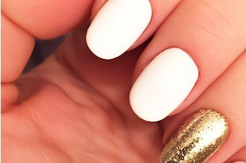 A glitter accent nail can go a very long way!